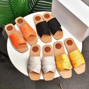 New Fashion Ladies Outer Wear Home Flat Non-Slip Soft Soft Flip Flops Classic Lazy Fur Slippers Size 35-39