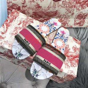 2021 Paris lusso progettista Scuffs Slipper Summer Sandals Beach Slide Slippers lin456 Girls Flip Flops Loafers Vintage Embroidered Flora