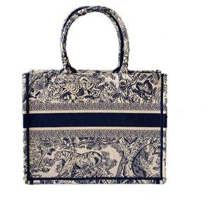 2020 yeni işlemeli kaplan büyük kapasiteli lüks büyük marka alışveriş çantası çanta kadın çantası el yapımı çift taraflı çiçek seyahat omuz çantası