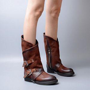 부츠 2021 가을 둥근 발가락 가죽 버클 싱글 여성 블랙 오토바이 부츠 여성 낮은 굽 호주 신발 따뜻한
