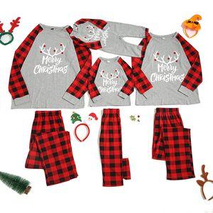 Weihnachtsfamilie-Pyjamas-Set Weihnachtskleidung Eltern-Kind-Anzug Home Sleepwear New Baby Kid Dad Mom Matching Family Outfits LJ201110