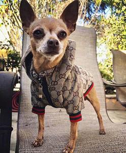 Luxo roupas para cachorros Dog Fashion Inverno Jacket clássico Designer roupas para cães Brasão buldogue francês Teddy Chihuahua do filhote de cachorro Roupa 201028