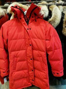 Top Qualité Nouveaux Hommes Veste d'hiver Fashion Parka Mens manches d'hiver Tissu épais avec véritable gonflage de la fourrure de loup Gardez une veste chauffée