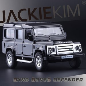 Yüksek Simülasyon Exquisite Diecaststoy Araçlar: RMZ Şehir Araba Styling Defender Off-Road 1:36 Alaşım SUV Araba Modeli Geri Çekin Arabalar Y200109