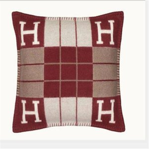 New Letter Cushion Decorative Pillow Cushion for Manual Knitted Plaid Europe Pillow with Filling Sofa Bed Home Decoration 45*45 cm