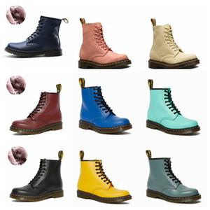 2020 MARTIN BOTINS MÉDIA DO MÉDIO dos homens Estilo Britânico Alto Top Couro Sapatos Homens Inverno Plush Neve Sapatos De Algodão De Algodão De Couro