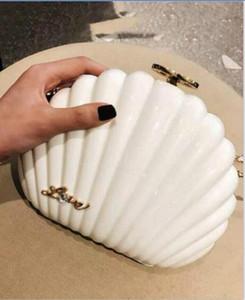 cheap Elegant Pearl Shell wristband bag 2020 Clutch Wallet Best Designer top Shoulder Bag Luxury gift Purse Black pearl shell top Handbag