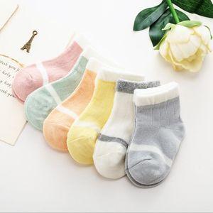 Bebé primavera y otoño nuevo baby calcetines niños dibujos animados fino suelto boca calcetines niños y niñas calcetines recién nacidos BWF3427