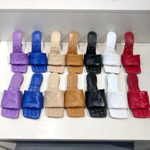2021 Sexy Liso Slides Lido Sandálias Tecidos Mulheres Chinelos Square Mules Sapatos Senhoras Casamento High Saltos Sapatos Sapatos Vestido Top qualidade com caixa