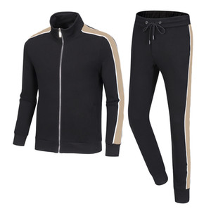 Uomo Sportswear Felpa con cappuccio e felpe Black Bianco Autunno Autunno Winter Jogger Sporting Suit Mens Sweats Suits Tute Set Plus Size M-3XL W09