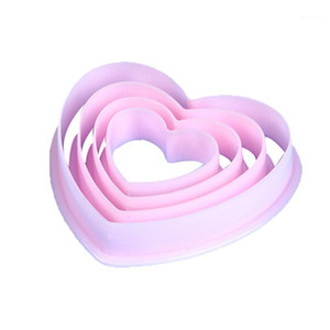 4pcs Plastic Heart Pattern Cutting Dies Mold Set Cookie Moulds Set Cake Cutters Baking Tools1