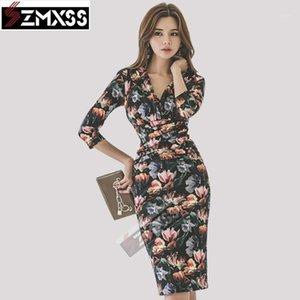 SZMXSS 2020 Versão Coreana Outono / Inverno Novas Mulheres Vestido V-Neck Pleat Slim Impresso Lápis Vestido Escritório Senhora Império Vestidos1