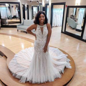 Plus Size Arabic Aso Ebi Crystals Lace Mermaid Wedding Dresses Sexy Crew Vintage Bridal Dresses Elegant Wedding Gowns L200