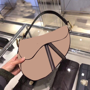 2020 Nuevas Marcas Famosas Ladies Bag Saddle Retro Alta Calidad Messenger Bag Handbag Star Celebrity Inspiración Bordado Bordado Bag2