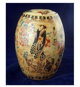 Chinese Old Porcelain Handwork Painting Belle Pot