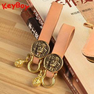 Handmade Leather Keychain Pure Brass Jesus Head Sculpture Buckle Keyring Pendant Retro Car Locomotive Key Chain Pocket Tools