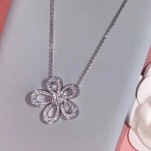 2020 luxury Jewelry 925 sterling silver clover flower rhinestone pendant necklace four leaf necklace for women best gift