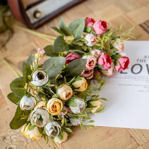 15 Rosas pequeñas Flores artificiales Té pequeño Té Rosa Flores de seda de la boda Arco de boda Flores de plástico Decoración del hogar Camelia Bouquet