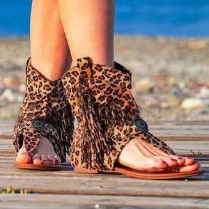 Sandals Gladiator Ladies Flats Verão Sexy Mulher Clipe Toe Boots Feminino Casual Praia Sapatos Femininos Para As Mulheres Tassel Leopard Imprimir