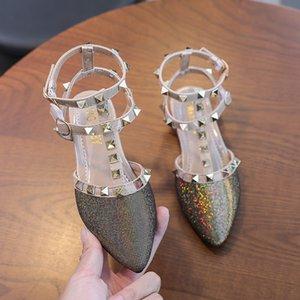 Meninas Sandálias Crianças T-Strap T-Strap Couro Sapatos Crianças Rebites Lazer Sapatilhas Adolescentes Menina Princesa Dança Vestido Sapatos Novo Ouro W0108