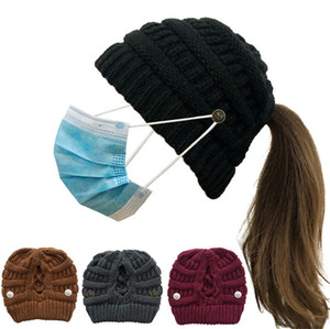 Designers Women Beanies Crochet Winter Hat Ponytail Caps with Face Mask Holder Button Sport Cylcing Ski Headwear 2020 Ribbed Knit F101604