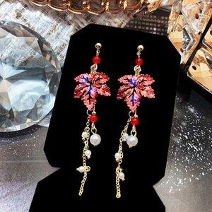 Neue rote Ahornblatt Ohrringe Frauen Lange Quaste Ohrringe Übertriebene Elegante Ohrringe Persönlichkeit Modeschmuck Perle Ohrring Strudel