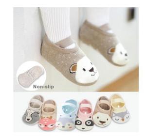 Sapatos 1 par de Moda Bebés Meninas Meninos bonitos dos desenhos animados anti-derrapante padrão de algodão da criança Piso Socks Animal primeiramente Walker para os recém-nascidos