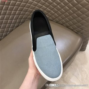 Mens casual flat shoes breathable denim top low-top sneakers outdoor casual sports running sneakers Complete with box size38-45cm