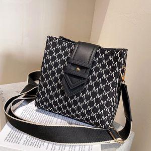 2020 new Lady casual Shoulder Messenger Bag Lady Leather Embroidery Shoulder Bags wild zipper bucket handbags kuailemai 11