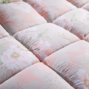 Wholesale-New Luxury flowers printing cotton cover filling with velvet comforter Quilt Blanket Warmer Twin Queen King size free Fast s l6Gr#