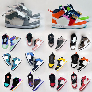 Les enfants de basket-ball air jordan 1 I enfant en bas âge DESIGNER Sneaker Green Pine Royal Game Travis Scotts Ombre Chicago Bred bonbons Mid multi-couleurs 2020 Chaussures
