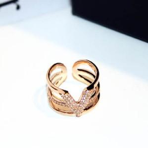 Neue super funkelnde kubische Zirkonia Diamant Fashion Luxus Designer Buchstabe V Wide Open Geometrische Ring für Frauen Mädchen