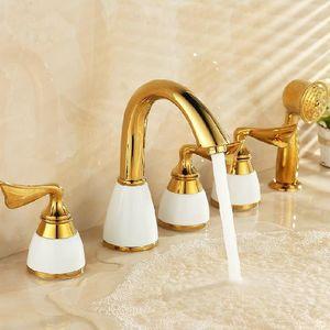 Bañera grifo latón blanco cerámica oro lujo lujo 5 agujero baño grifo conjunto lluvia ducha lavabo mano caliente mezclador de frío