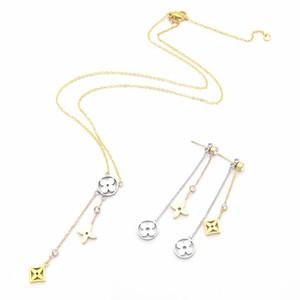 Europe America Style Fashion Bijoux Ensembles Lady Femmes Creux Trois Fleur avec Diamant Initiales Collier Boucles d'oreilles (1Sets)