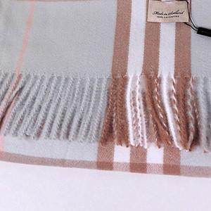 NUEVO Alta Quatity Hecha de punto A Cashmere Plaid Scarfs para mujer Diseñador Classic London Plaid Barba larga Bufanda de Bufanda Moda Handmade Hyjab Mantón