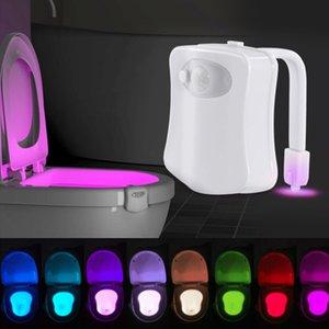Smart Toilette Nachtlicht LED Lampe Badezimmer Menschliche Bewegung aktiviert Pir 8 Farben Automatische RGB-Hintergrundbeleuchtung für WC-Schüssel-Lichter