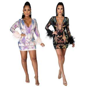 Новые Приезды Женщины Мода Печать Перья Платье Глубокие V-образные вырезы с длинным рукавом Nightclub Sparkle Sequins Mini платья Прекрасные девушки