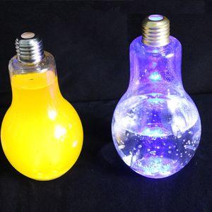 Kapak Yaratıcı Drinkware Toptan EEA2168 ile LED Ampul Su Şişesi Plastik Süt Suyu Su Şişesi Tek Sızdırmazlık İçecek Kupası