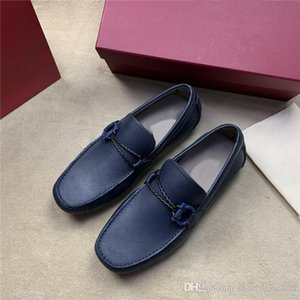 High-end casual men's shoes Classic elegant style hand-stitched driving shoes lightweight rubber sole leather shoes With complete packa