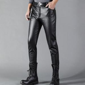 Pelle Thoshine uomini di marca Pantaloni in pelle dimagriscono elastico PU Style Moda Primavera Estate dei pantaloni del motociclo Streetwear Y1114