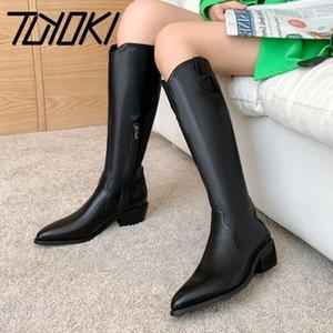 Tuyoki mujeres invierno rodilla alta botas puntiagudo punta cremallera mujeres botas largas moda zapatos frescos mujer calzado tamaño 31-431