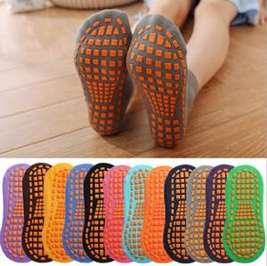 Chaussettes Trampoline chaussettes point de colle non-Slip Plancher Chaussette de coton Enfants Early Education Enfants adultes Accueil Yoga Sock KKB2757