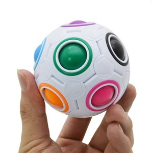 Fabricants direct Magic Rainbow Ball Pressing Creative Football Science Education Jouet Alien Intelligence Magic Cube