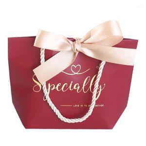 10pcs / lot 하이 엔드 인쇄 용지 토트 백 생일 선물 가방 발렌타인 데이 웨딩 초콜릿 캔디 상자 13x6x14cm1