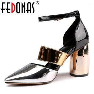 Fedonas Fashion Patent Patent Cuero Mujer Bombas 2020 Verano Nuevas Sandalias Punto de punta altas Tacones altos Club de noche Zapatos Mujer Party Shoes1