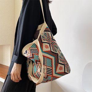 Lady Knitting Gypsy Bohemian Boho Chic Aztec Tote Mujeres Crochet Woolen Open Shopper Bolso de mango superior 2020 Femenino Bolso diario Q1230