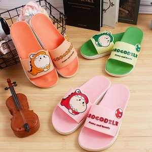 2020 New Slippers Womens Summer Cartoon Cute Student Dormitory Indoor and Outdoor Slippers Fashion Home Single Strap Slides