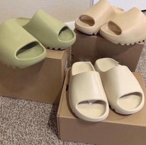 Chaussures Kanye West Slaytlar Erkek Kadın Çocuklar Terlik Kemik Dünya Kahverengi Çöl Kum Reçine Terlik Köpük Koşucu Sandalet Sneakers