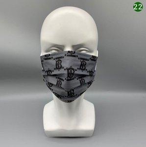 39 Stil Luxus-Einweg-Designer-Gesichtsmasken Mode-Druckmaske Retail-Paket nicht gewebt Anti-Staub-heißer Verkauf hohe Qualität
