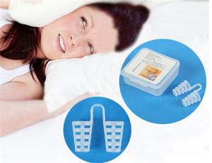 Nuovo arresto Anti soluzione russare dispositivo di tappo del russare Bocchino vassoio Stopper Sleep Apnea Bocca guardia Health Care
